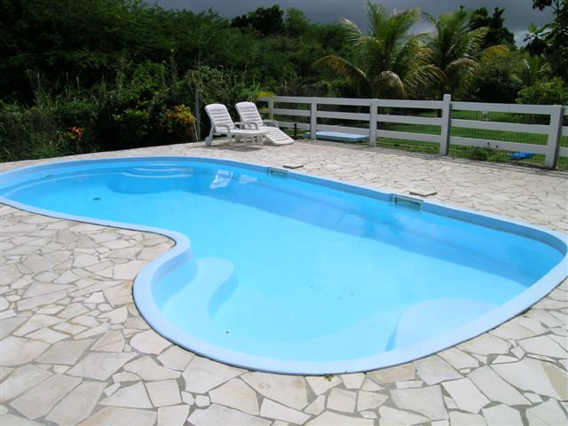 R sidence club cara bes les villas annexes for Piscine miroir guadeloupe